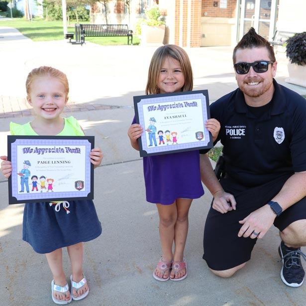 Nevada police officer with 2 children